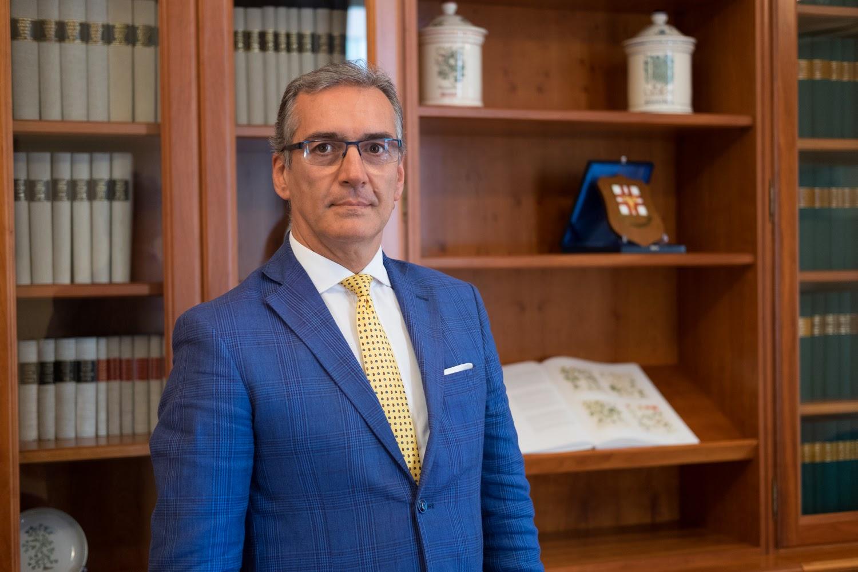 Dr. NINO DE RITIS